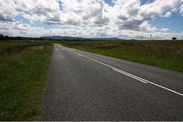 Hebden Road Off New England Hwy.jpg