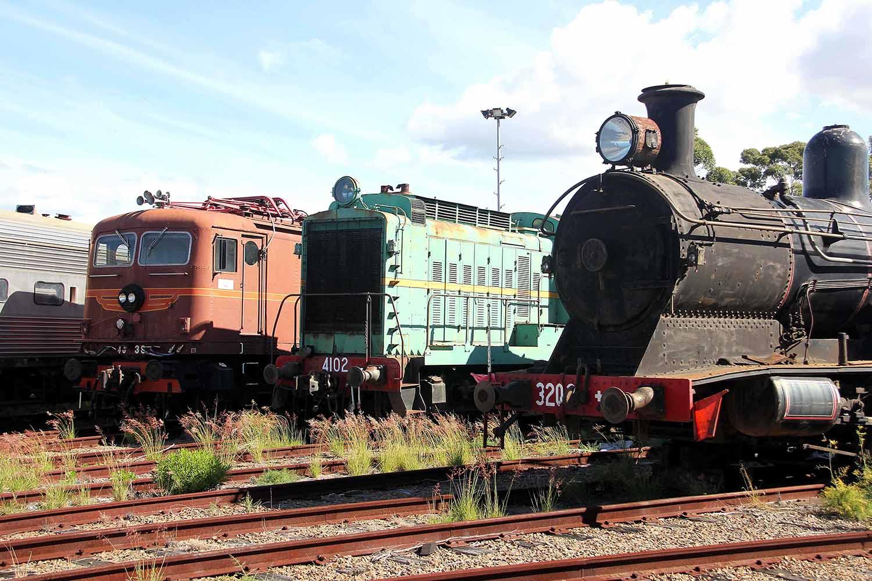 11-3-locos.jpg