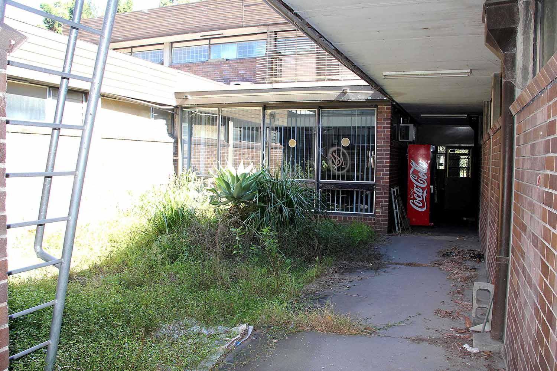 21-courtyard-1.jpg