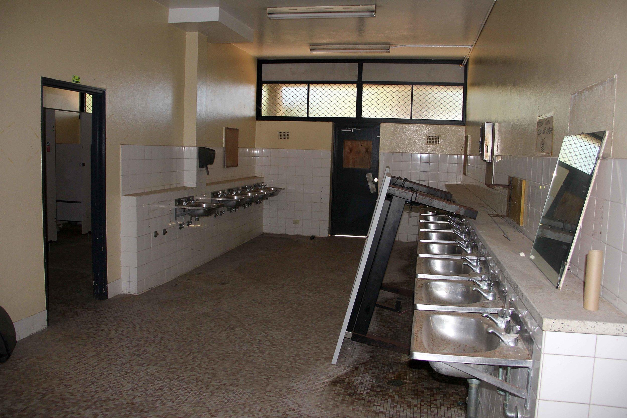 24 bathroom 1.jpg