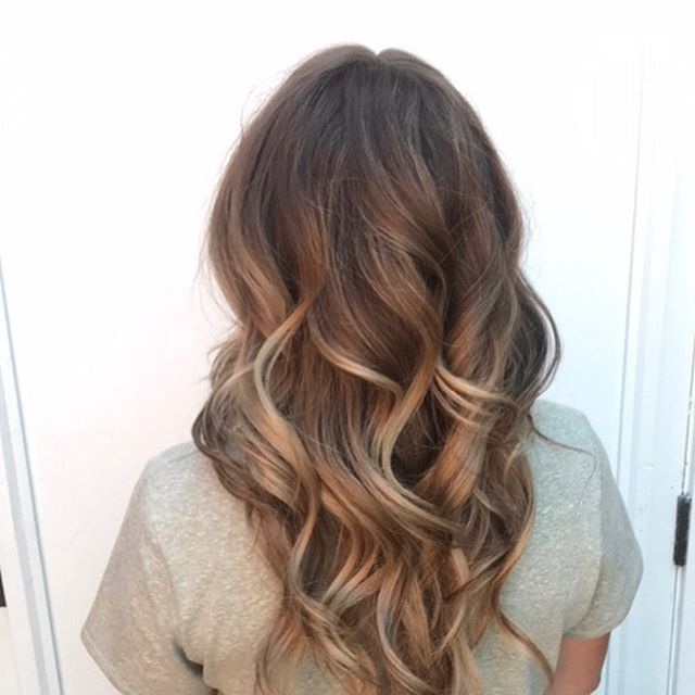 Some beautiful balayage by @j.c._messerle check online and book now for some summer hair!! #mintbend #bendoregon #downtownbendoregon #balayage #summerhair