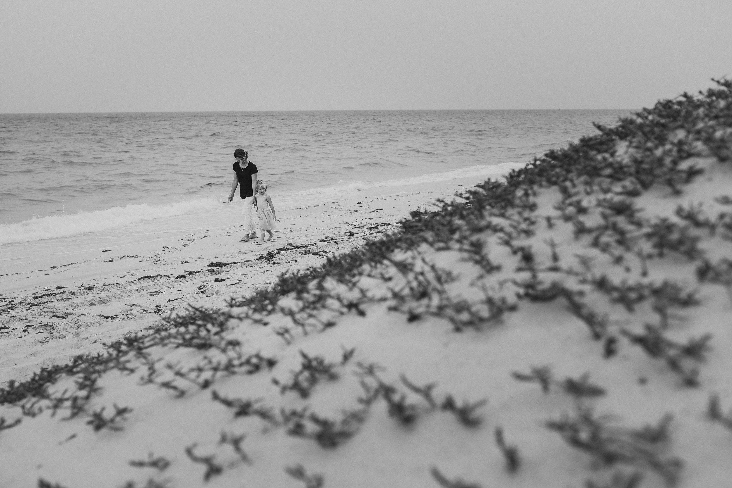 saudi arabia family photographer, dubai family photographer, bahrain family photographer, dslrfilmmaking, documentary photography, lifestyle family photography, lifestyle family photographer saudi arabia