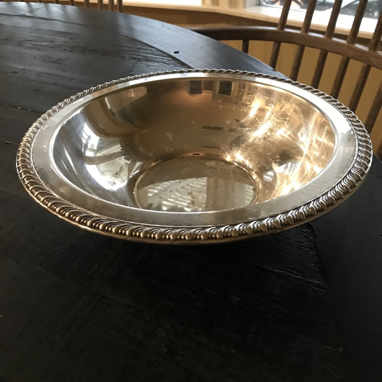 """Silver-plated Serving Bowl.    Vintage round silver plated serving bowl with rope detailing around the edge. 11"""" round x 3"""" tall."""
