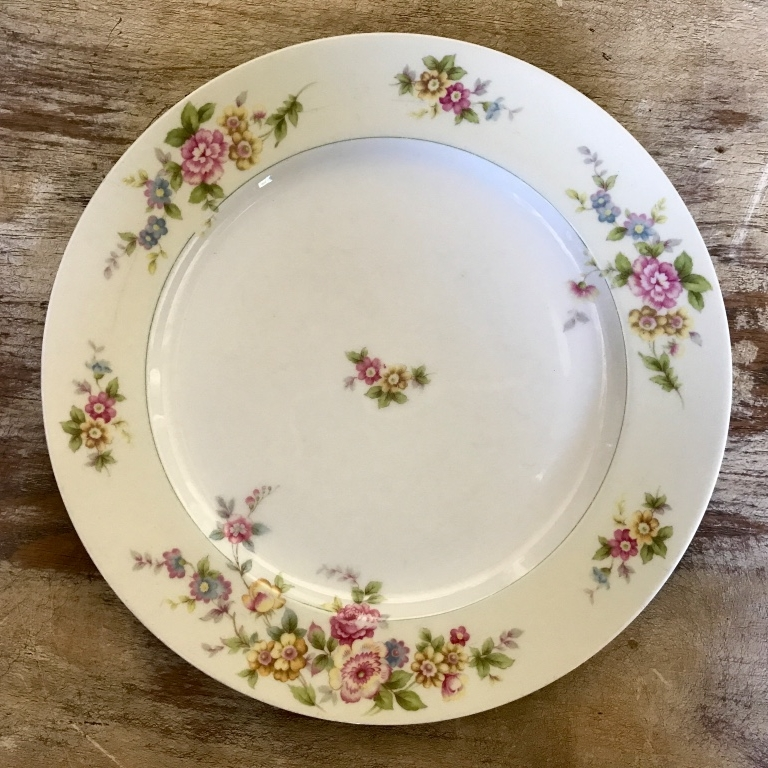 "Floral China Dinner Plate.    10""-11"" Dinner Plate. Mismatched"