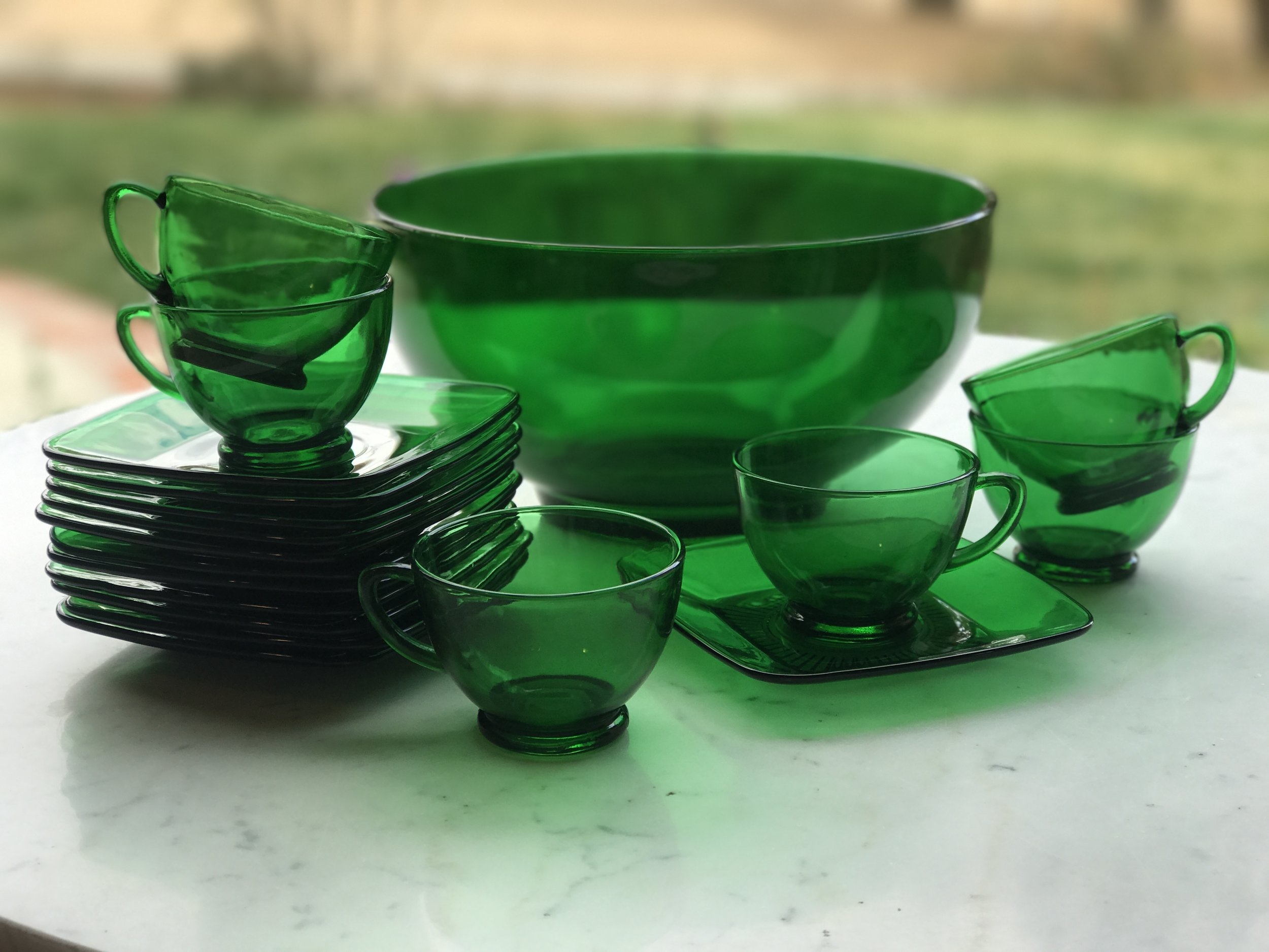 Emerald green Libby Glass punch bowl with cups and square saucers. Rental Temecula Valley.