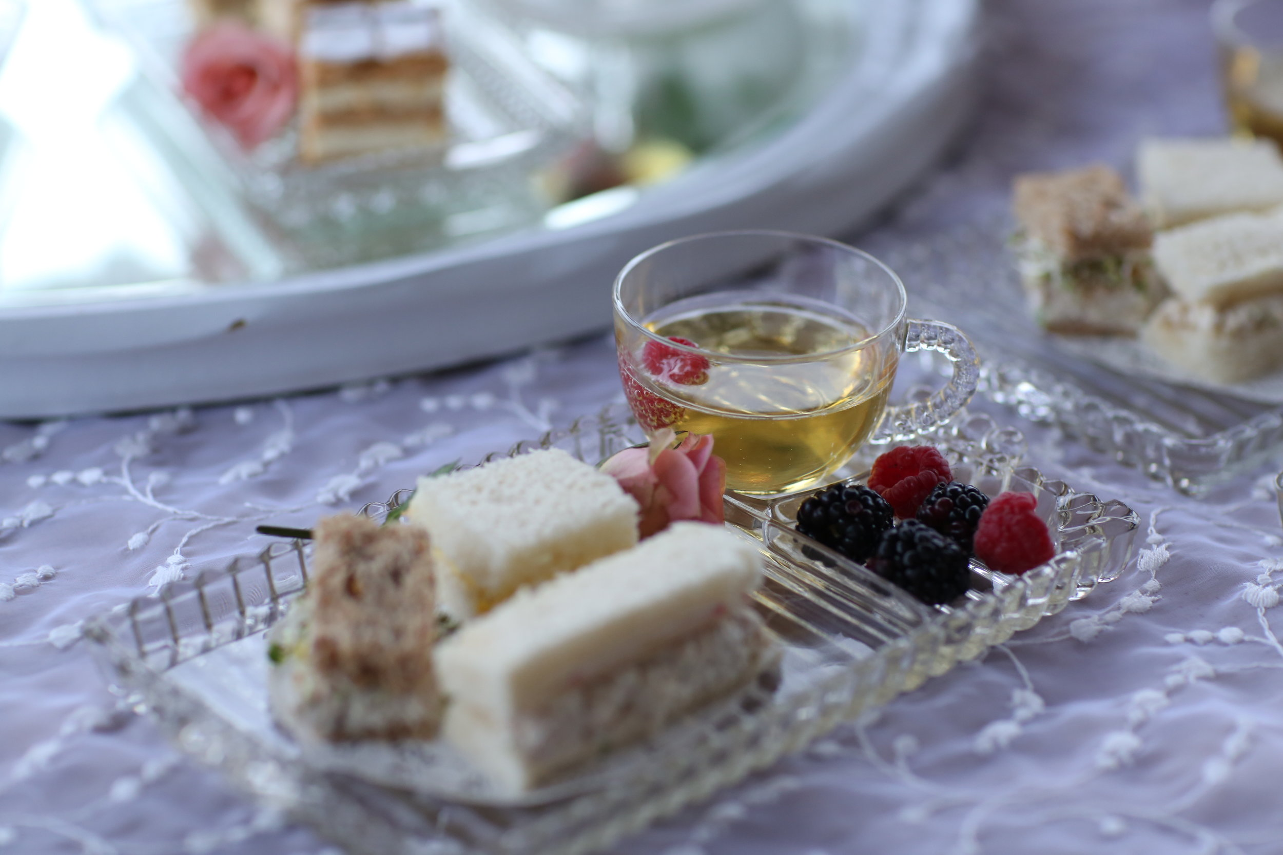 Vintage snack sets or hostess sets available to rent in the Temecula Valley.