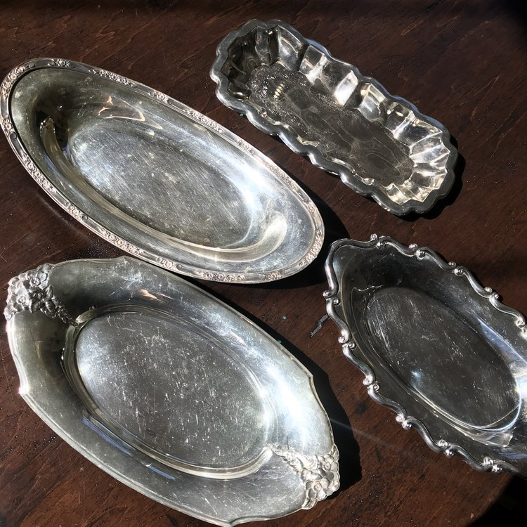 Small Silver Oval Trays    Assorted vintage oval silver plated trays. Various sizes. Polished or Shabby Chic.