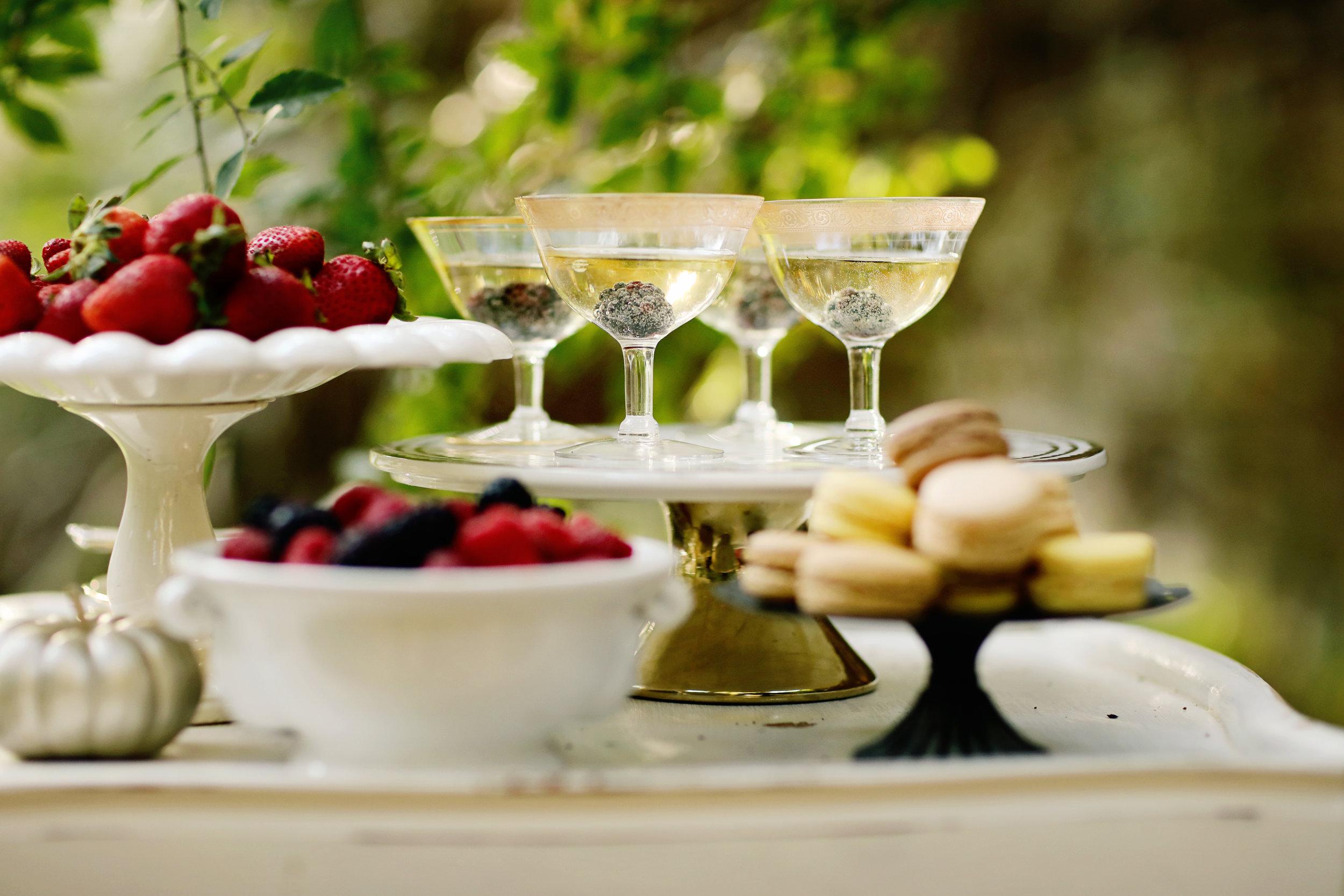 Vintage gold rimmed goblets to rent for vintage wedding rentals.