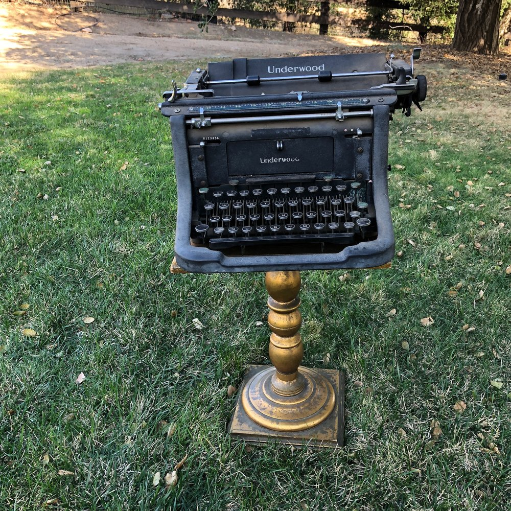 """Francis Underwood   In honor of our House of Cards addiction we bring you Francis Underwood. Vintage typewriter. 15"""" long x 15"""" wide x 10"""" high."""