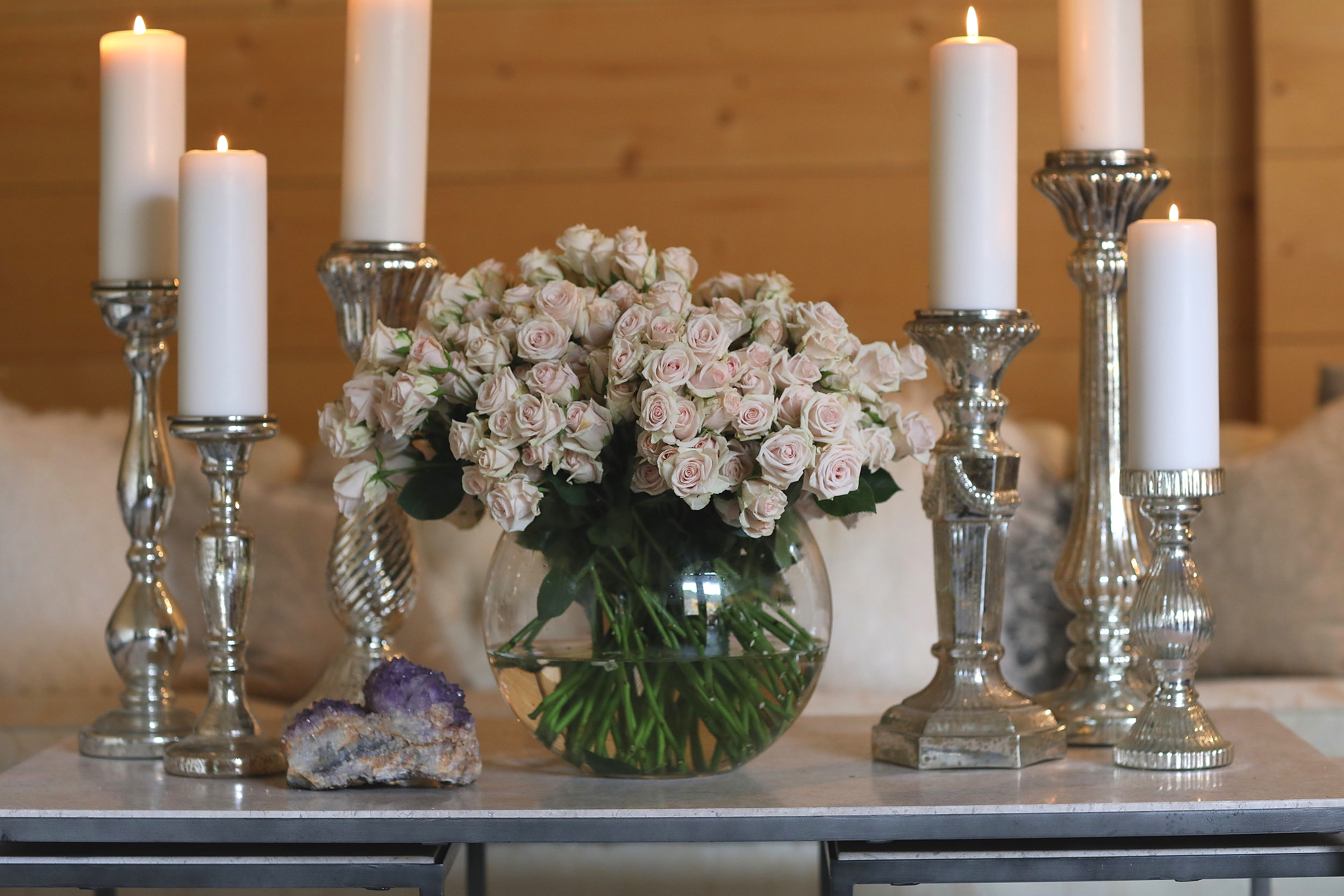 Cylinder glass candle holders with white pillar candles light up the Temecula Valley.
