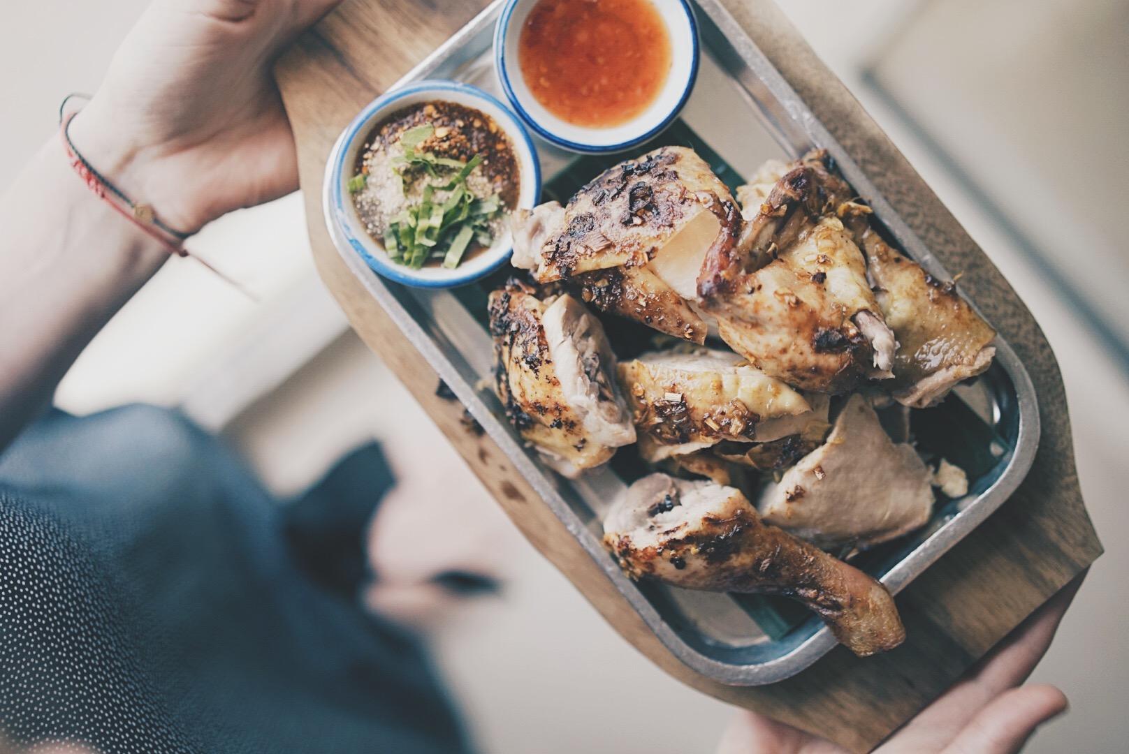 Thai food to share, here: Kai Yaang