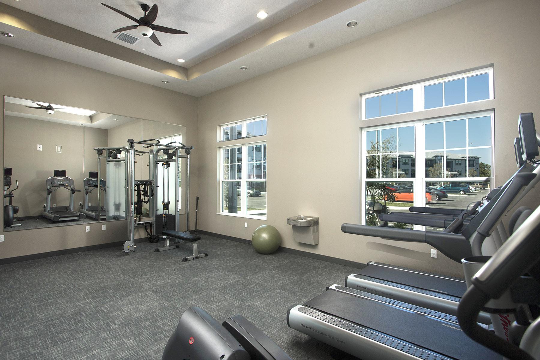 CharlestonEdge-Rental-Apartment-Brandon-Tampa-Florida-Pool-Bedrooms-Fitness-Center-Gym
