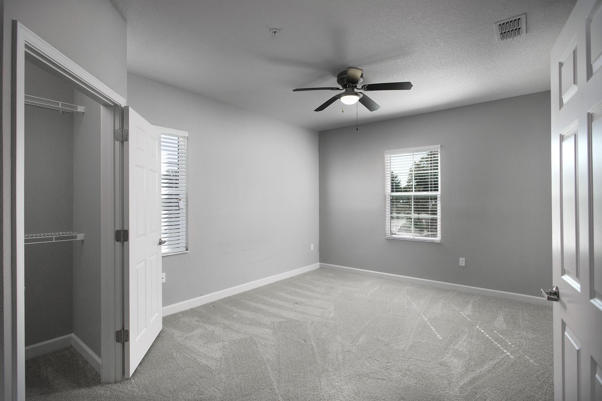 CharlestonEdge-Rental-Apartment-Brandon-Tampa-Florida-Pool-Bedrooms-Interior-3.jpg