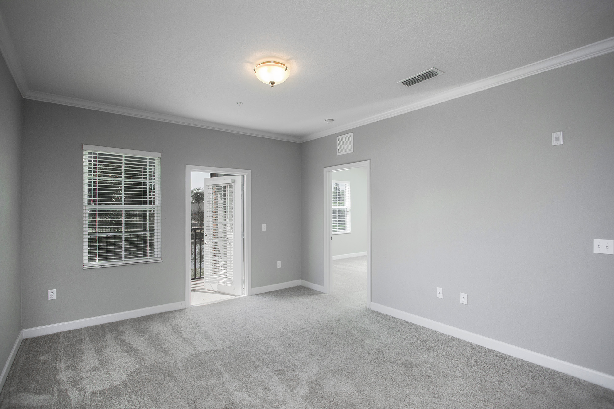 CharlestonEdge-Rental-Apartment-Brandon-Tampa-Florida-Pool-Bedrooms-Interior-4.jpg