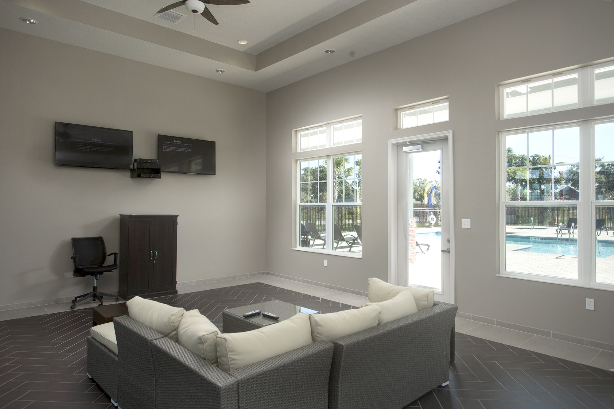 CharlestonEdge-Rental-Apartment-Brandon-Tampa-Florida-Pool-Bedrooms-Pool-1.jpg