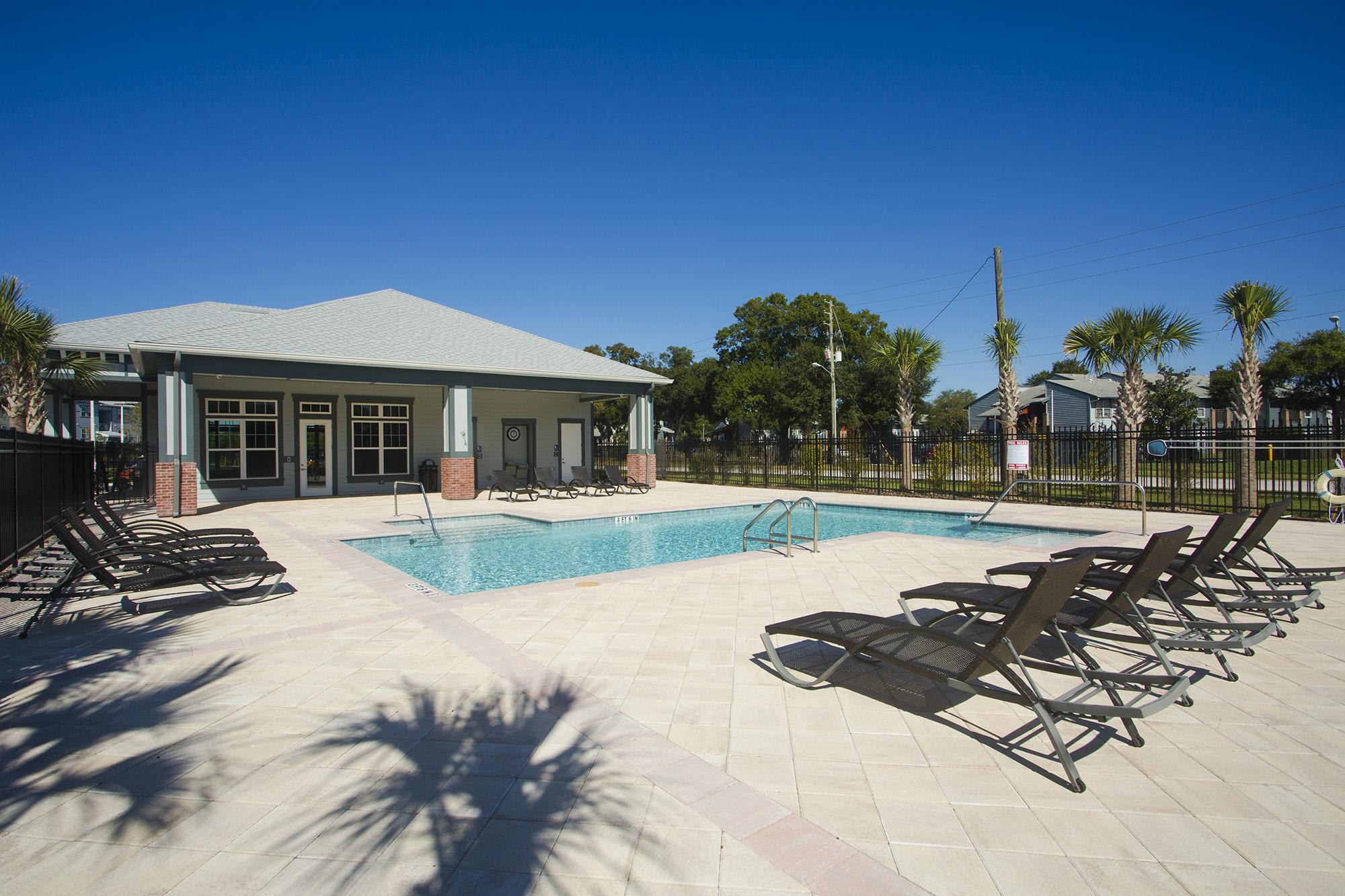CharlestonEdge-Rental-Apartment-Brandon-Tampa-Florida-Pool-Bedrooms-Pool-2.jpg