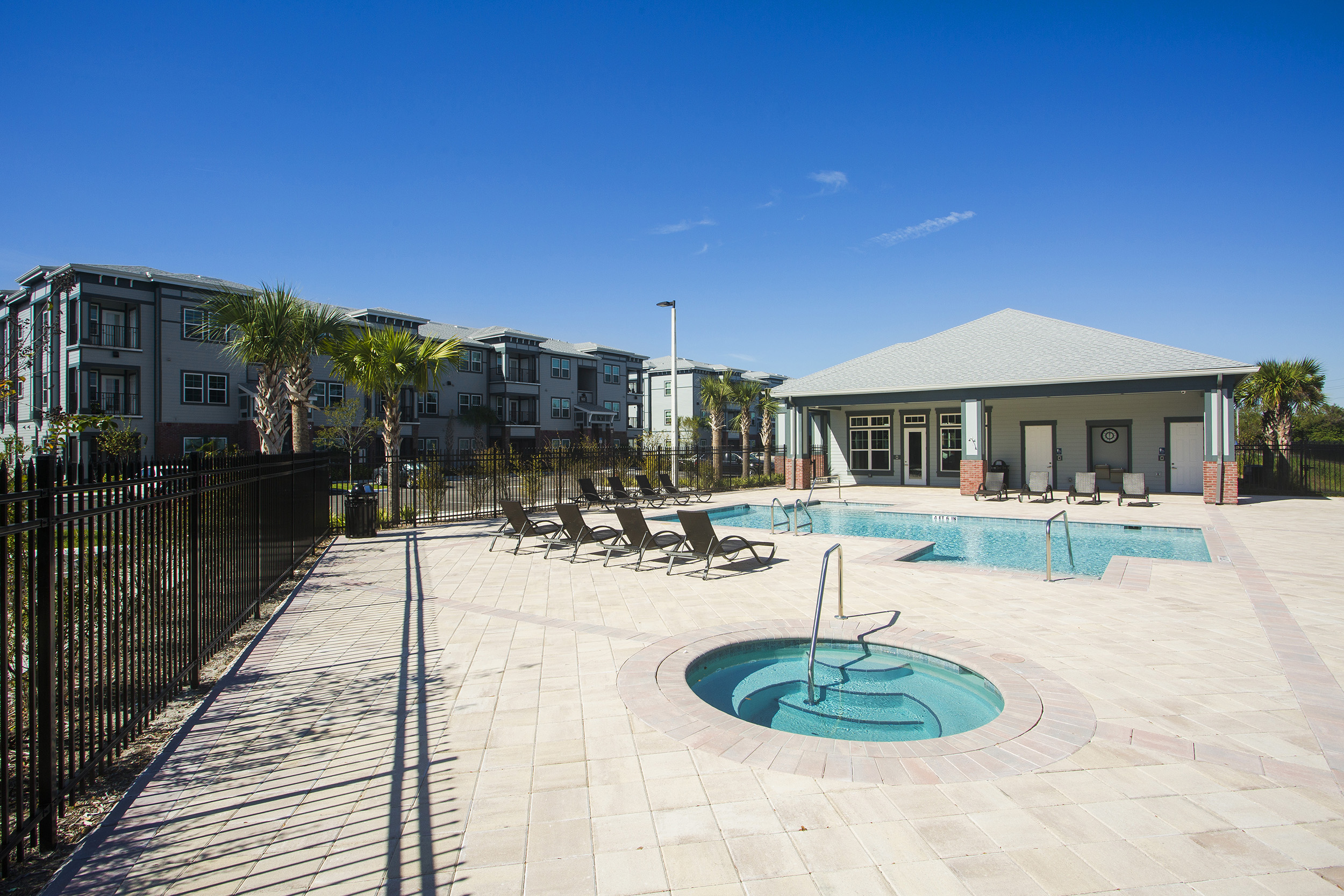 CharlestonEdge-Rental-Apartment-Brandon-Tampa-Florida-Pool-Bedrooms-Pool-3.jpg