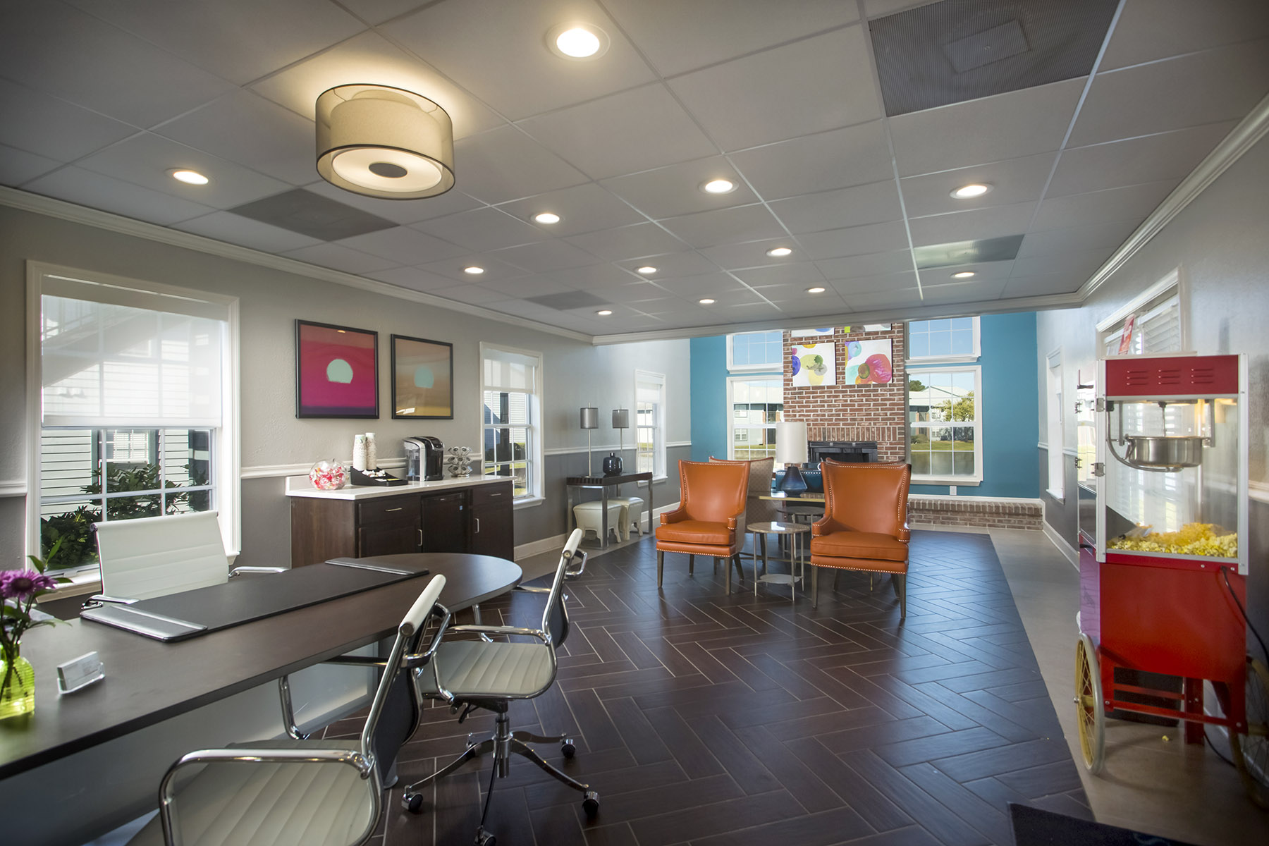 CharlestonEdge-Rental-Apartment-Brandon-Tampa-Florida-Pool-Bedrooms-Amenities-1.jpg