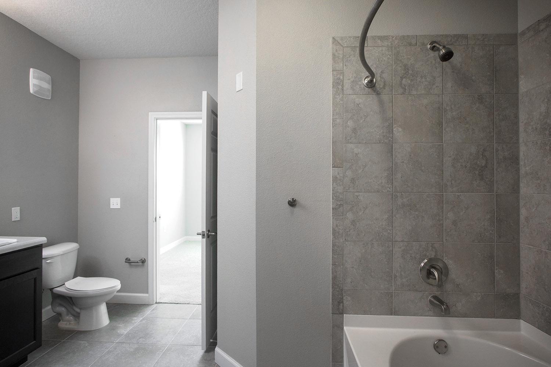 CharlestonEdge-Rental-Apartment-Brandon-Tampa-Florida-Pool-Bedrooms-Bathrooms-1.jpg