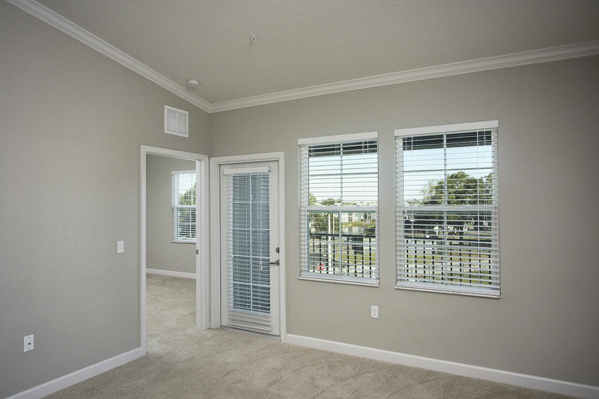 CharlestonEdge-Rental-Apartment-Brandon-Tampa-Florida-Pool-Bedrooms-Interior-5.jpg