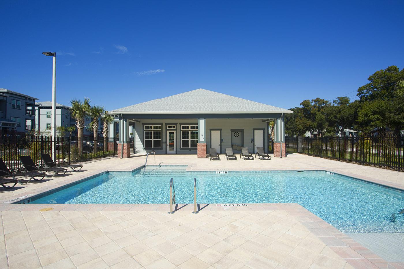 CharlestonEdge-Rental-Apartment-Brandon-Tampa-Florida-Pool-Bedrooms-Pets-Pool-4.jpg