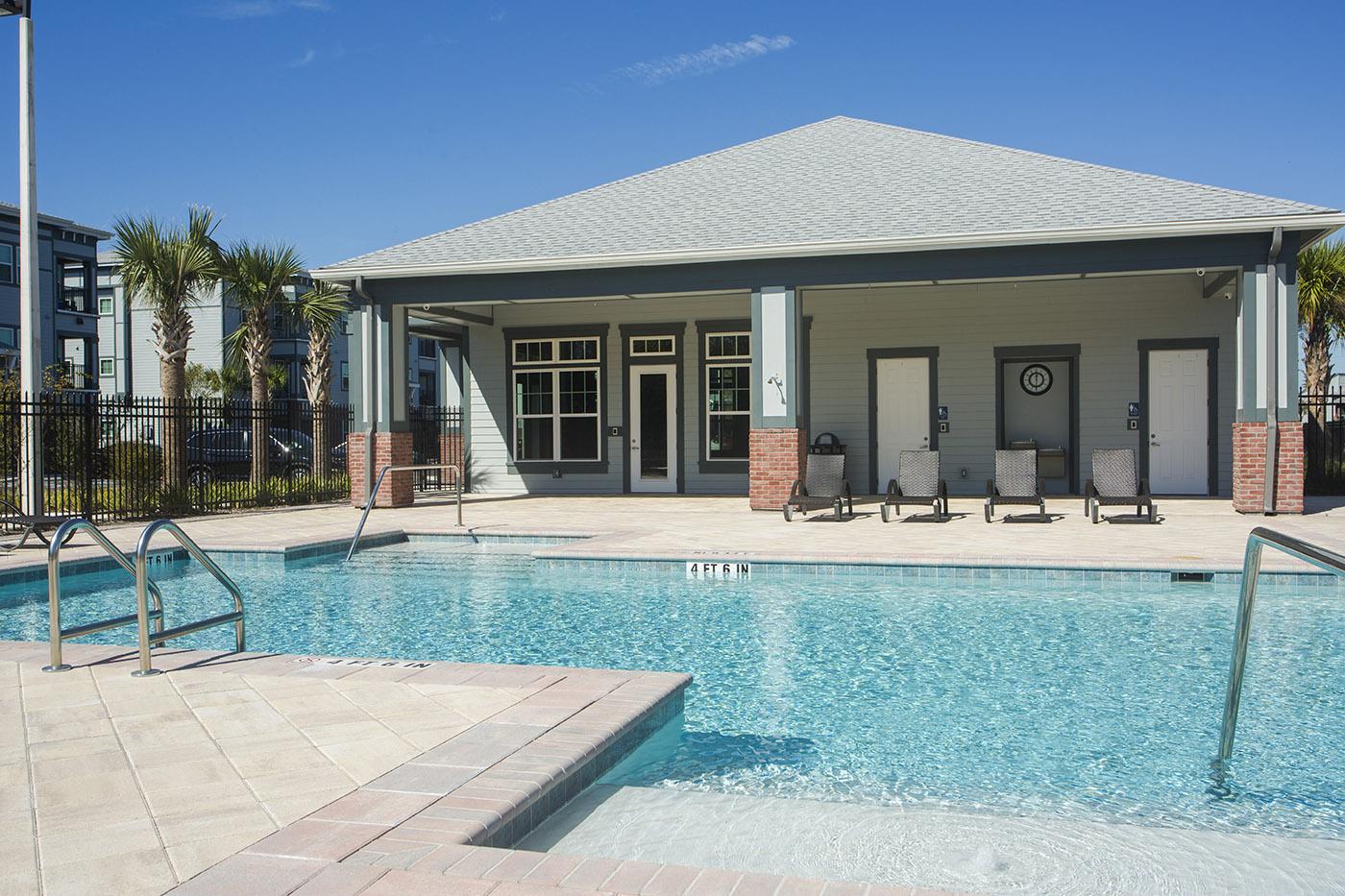 CharlestonEdge-Rental-Apartment-Brandon-Tampa-Florida-Pool-Bedrooms-Pets-Pool-5.jpg