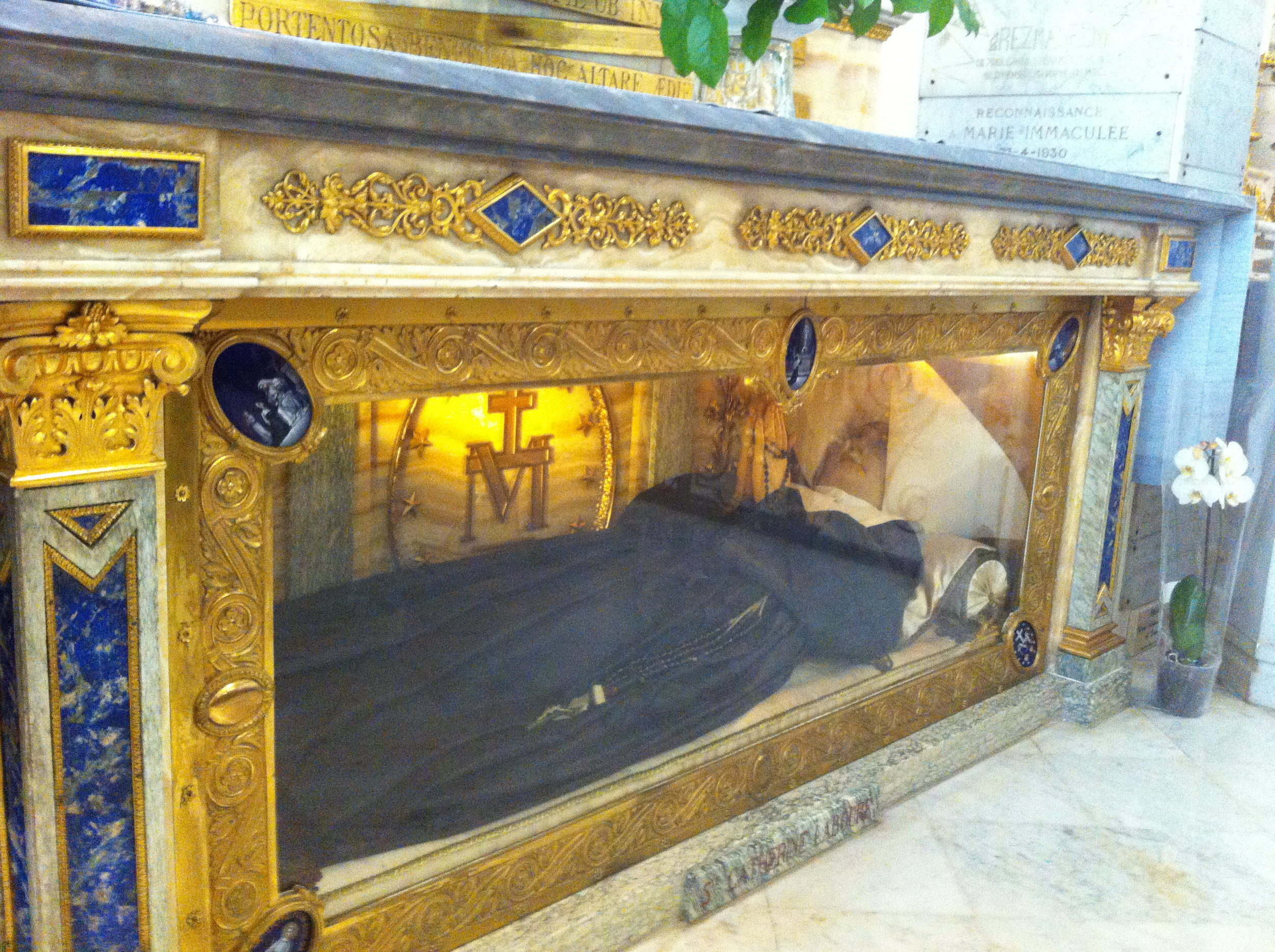 The incorrupt body of St. Catherine Labouré in the Chapel of Our Lady of the Miraculous Medal, Paris, France