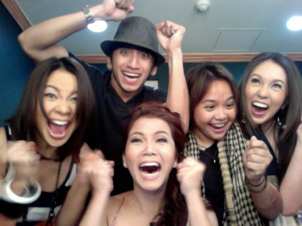 We love taking silly groupfies. Hehe! :D