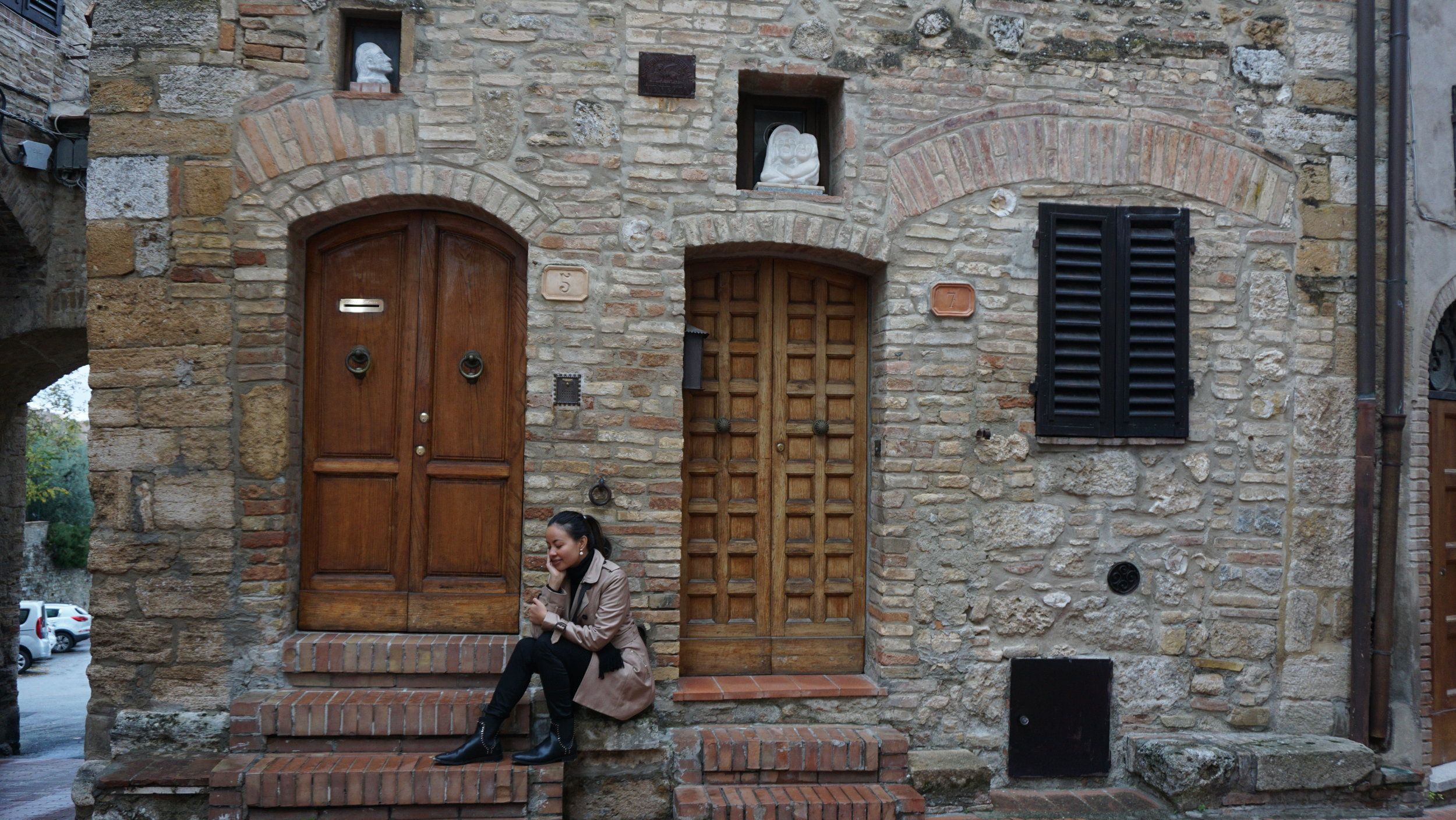 In San Gimignano wearing my official fall outfit  na kumakapal at nag-iiba-iba lang ang  inner :p
