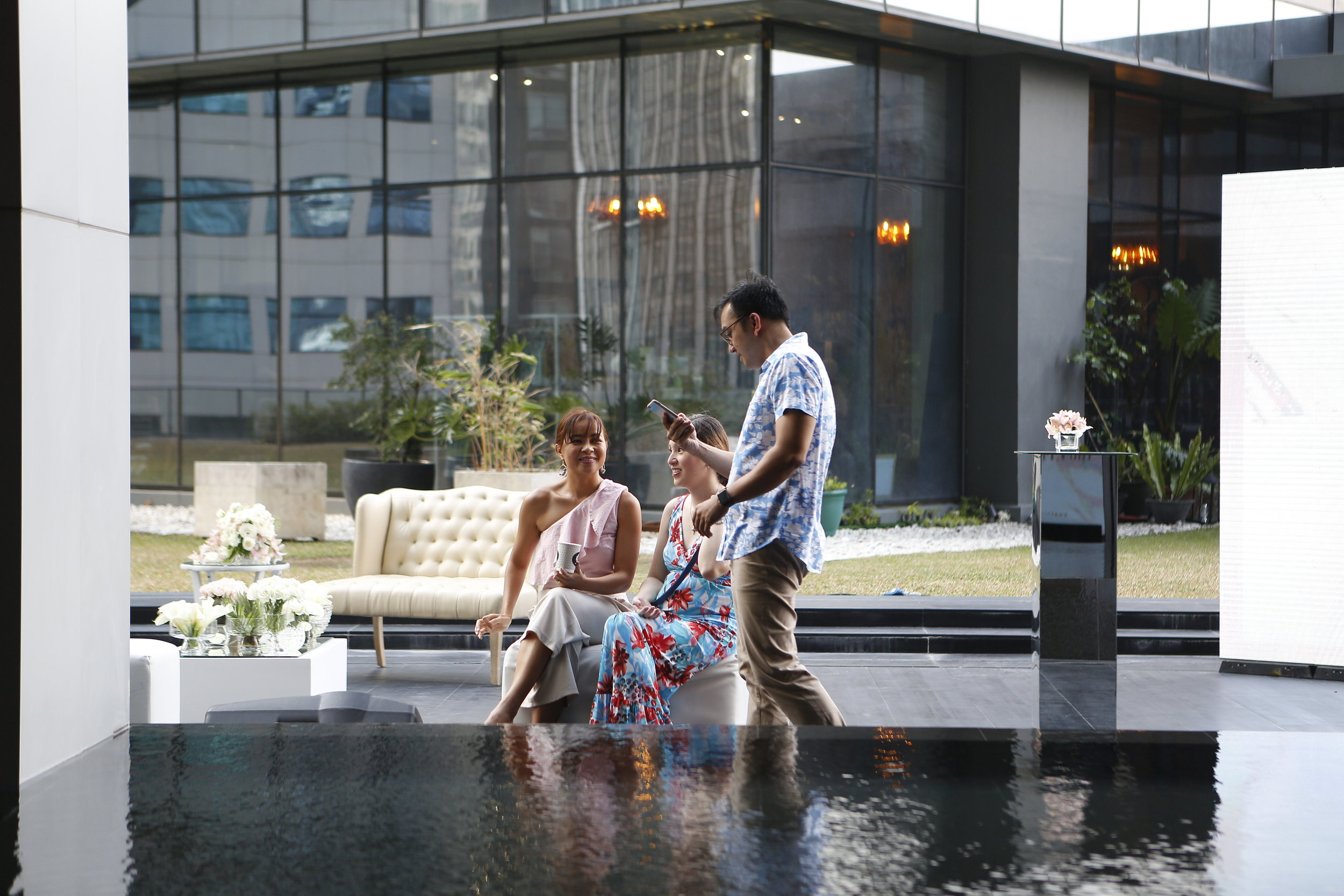 Cocktails by a reflecting pool <3 with my good friend Princess Velasco and her husband, Dr. Bistek Rosario.