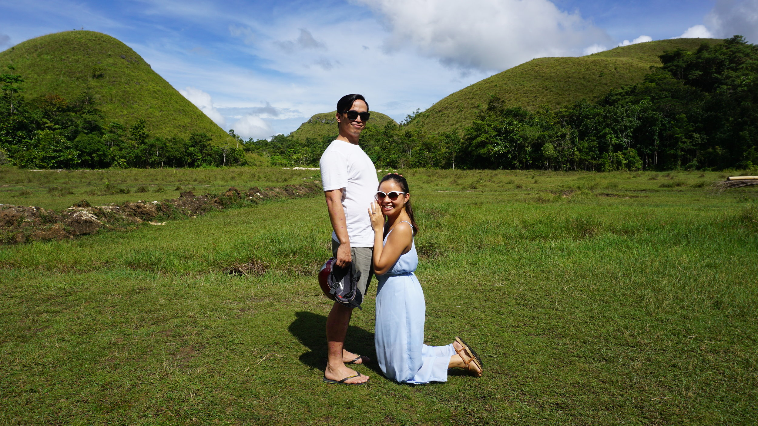 Our first ever maternity shoot hahaha! Taken in November last year by the so-called Pregnant Hill, Bohol :D