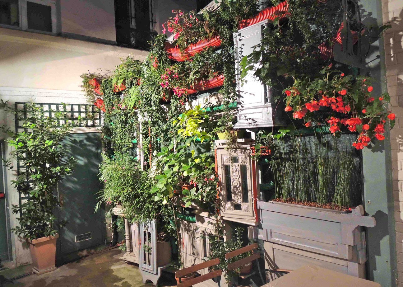 Mur-vegetal-creation-paysagisteParcauxcerf-paris.jpg