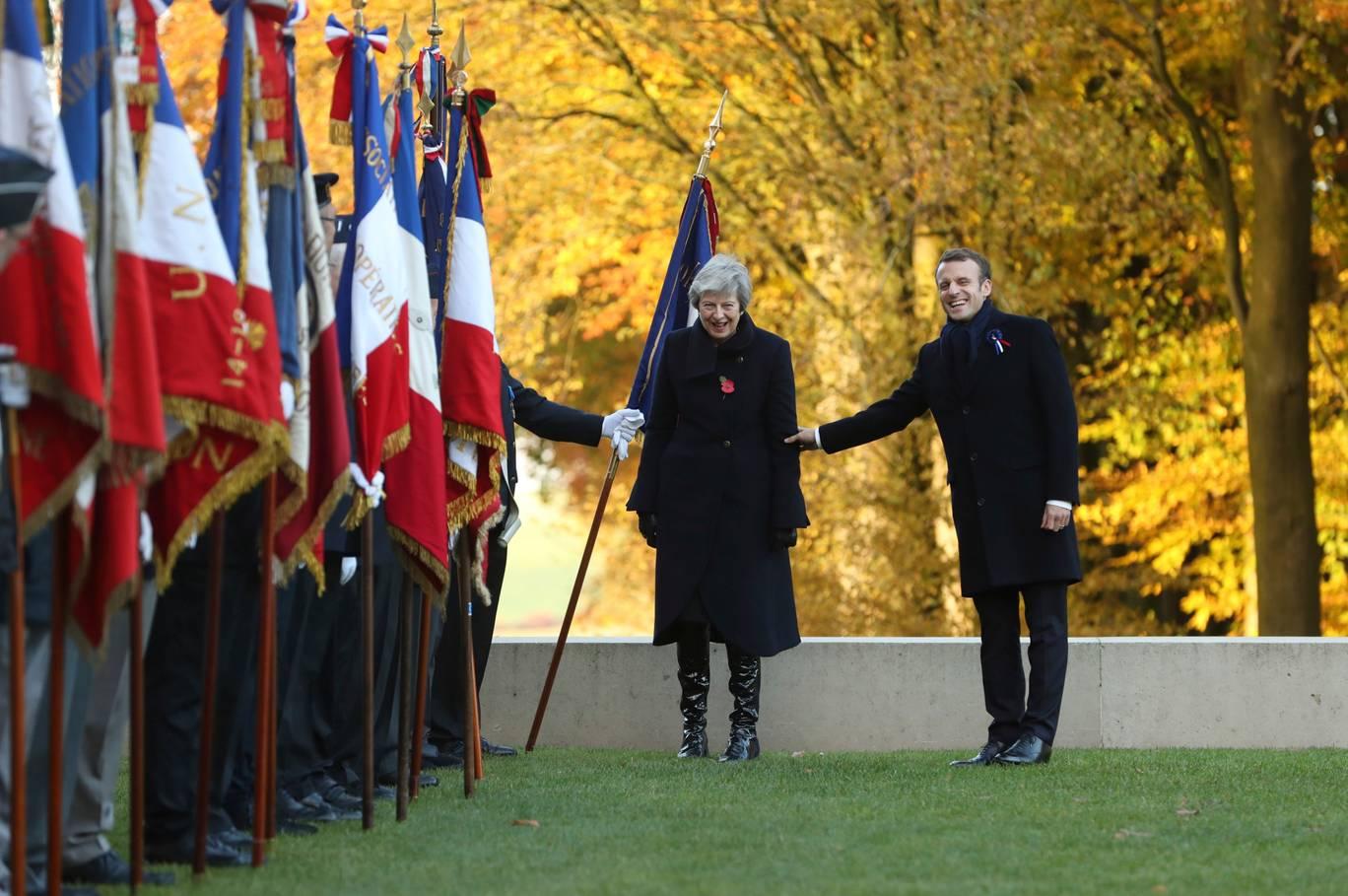 Прем'єр-міністерка Великої Британії Тереза Мей та президент Франції Емманюель Макрон