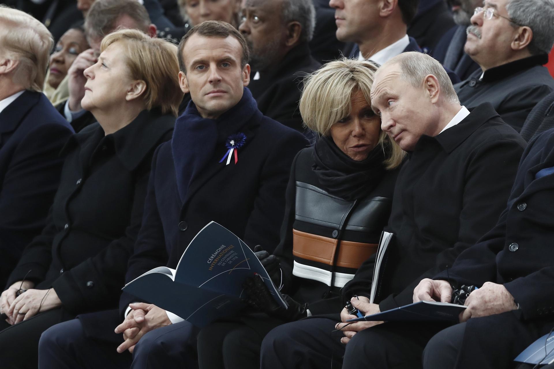Президент Франції Емманюель Макрон, перша леді Франції Бріжит Макрон та президент Російської Федерації Володимир Путін AFP