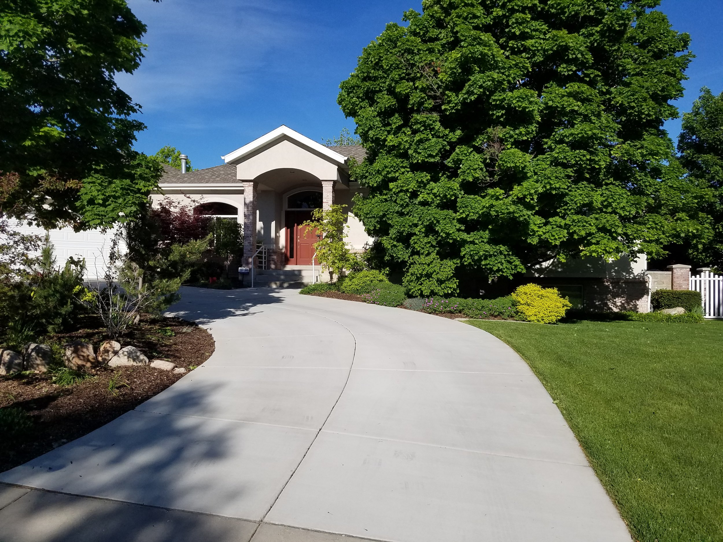 It's sunny and warm in Salt Lake City today and we're happy to be hard at work, cleaning windows.  Call Morning Star Window Cleaning today for a free estimate! We'll get you on the schedule for window cleaning, screen and rain gutter cleaning or new construction.  (801) 943-8832
