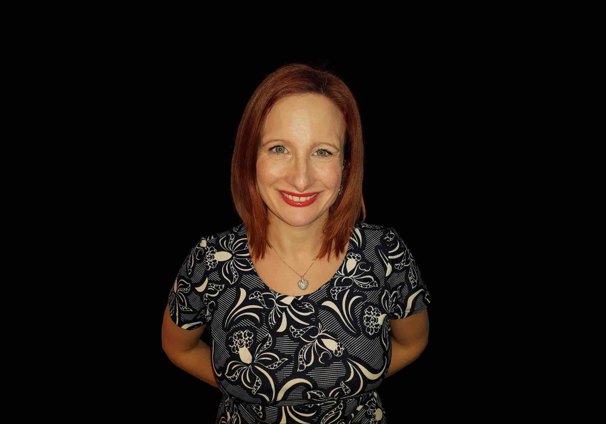Dr Lisette Johnston -