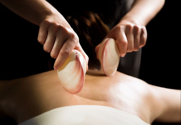 The world's first self-heating Lava Shell Massage