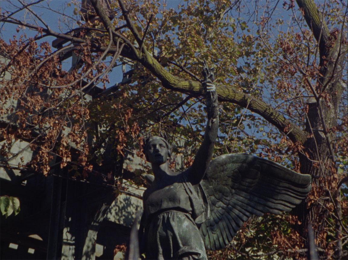 stil5_leaves_statue.jpg