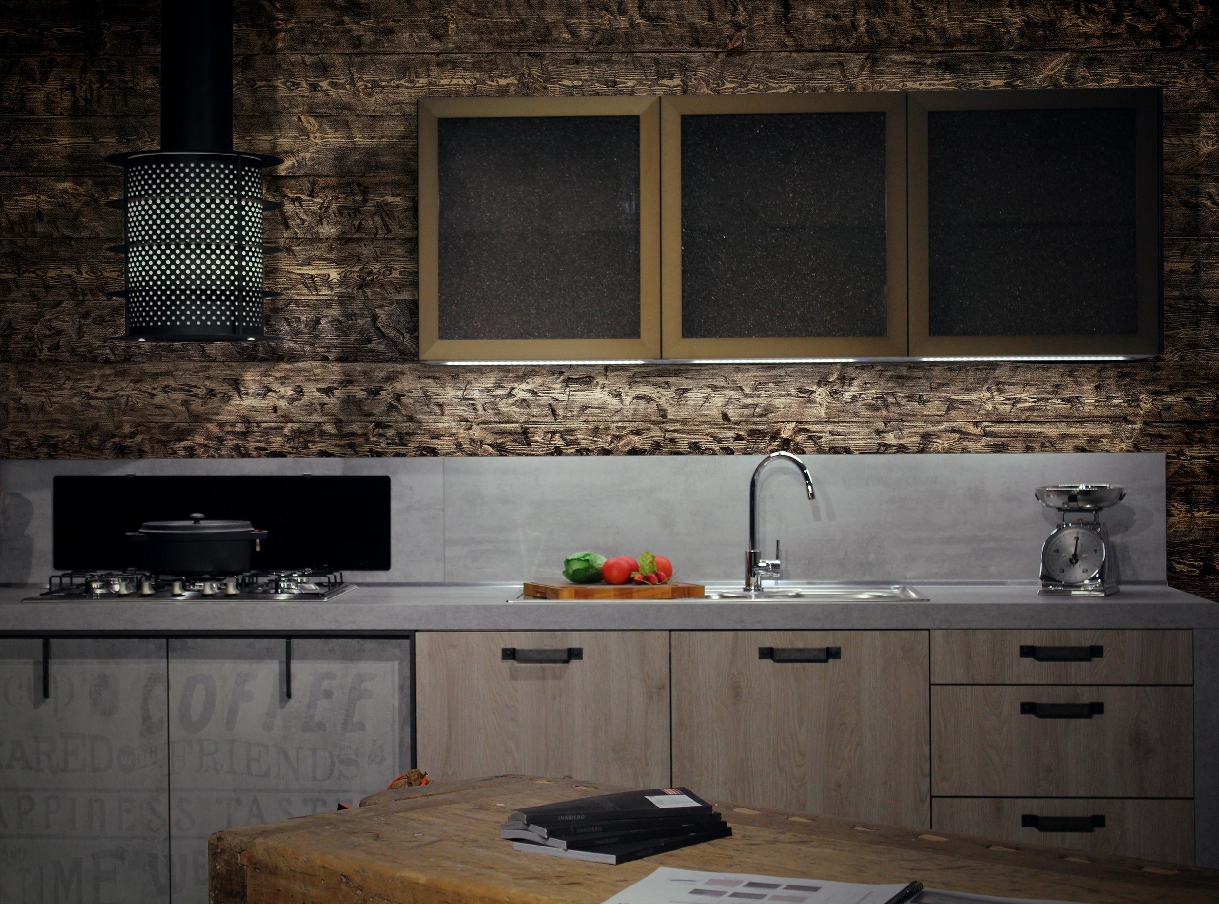 rwood_kitchen_rustic_wooden-wall.jpg