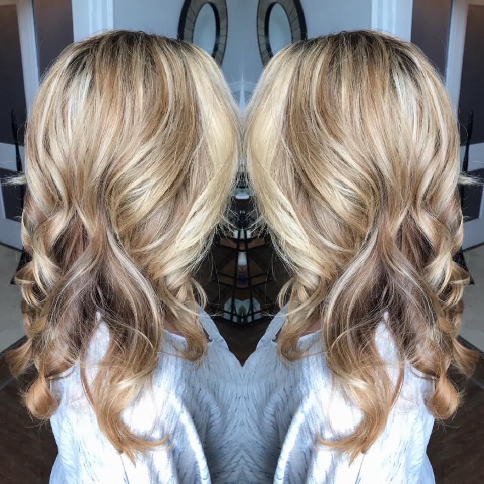 dimensional blonde bombshell!.jpg