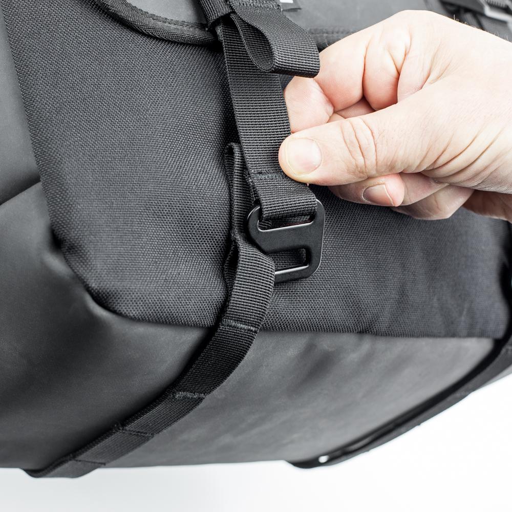 kriega-saddlebags-detail4.jpg