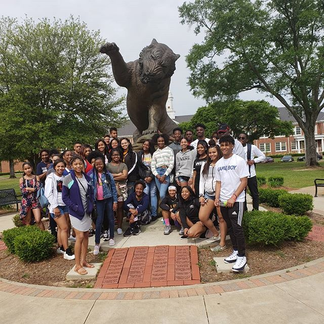 Several of our Sentinels with other students from Chicago, Kenosha and Racine on the 2019 Spring Break Black College Tour. We had a blast at @grambling1901 . Thank You for the hospitality.  #gramblingstateuniversity #SentinelMentors #beyondcollegetour #wisconsin #racine