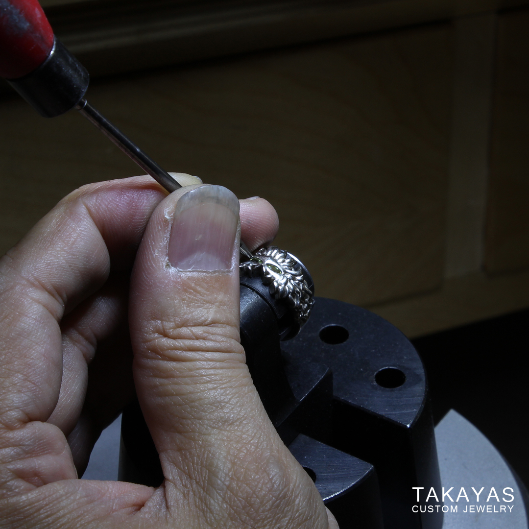 setting-peridots-dalish-wedding-ring-takayas