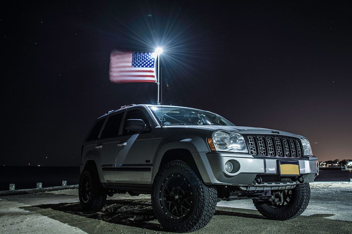 car-top-flag-suv.jpg