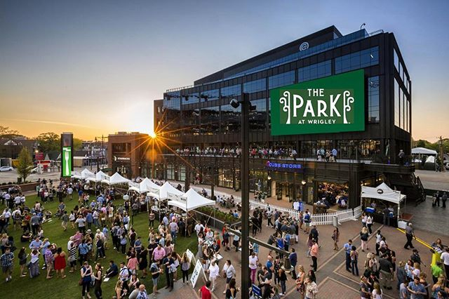 The most anticipated sports rivalry in Chicago is back! And what better way to kick off the Crosstown Classic between the @cubs and the @whitesox than at historic Wrigley Field. . . . Just steps away from the stadium, we're proud to have helped build the Chicago Cubs office tower and lobby. The six-story mixed-use building (that is home to the ball club's front office operations) features a structurally engineered media wall and ceiling in the lobby, a Lyra ceiling at the entry vestibule, and a WoodWorks linear ceiling in all elevator lobbies. No matter what team you're rooting for, this new space is a winner. Best of luck to both! . . . #GoCubbies #GoWhiteSox #CrosstownClassic #AlignedWithYou #alliancedrywall #allianceacoustical #alliancecarpentry #dreamoffice #interiors