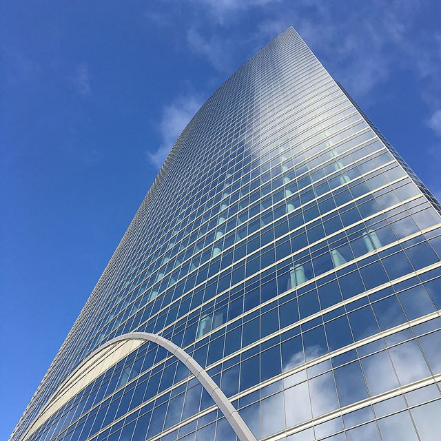 Located on the edge of the Chicago River, @riverpointchicago office tower is becoming a go-to place for us! Over the past year, we have performed first class drywall, carpentry, acoustical, and door & hardware services for four of the buildings newest tenants. . . . • DLA Piper Global Law Firm • Gallup Organization • Michael Best & Friedrich LLP • Principal Financial Group . . . Our experience, in this state-of-the-art 52-story skyscraper, has allowed us to become very familiar with the building requirements, freight elevators, delivery and loading dock, and base building conditions.
