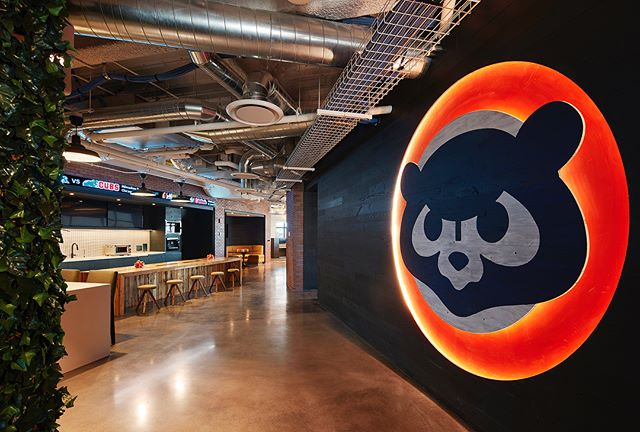 From the Chicago Cubs' newly revamped headquarters to Capital One's renovated offices, we're thrilled to have helped build some of @crainschicago 15 Coolest Offices in Chicago 2017! . . . 👉🏼 Swipe back and forth through the carousel or click the link in our bio to view all the winning spaces. #AlignedWithYou #alliancedrywall #allianceacoustical #alliancecarpentry #dreamoffice #interiors #ccboffice