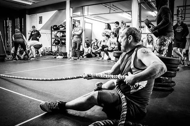 The 'Virtual Tug-o-war is another crowd favorite!  Throwback to 2019 YYJ Season 1 Playoffs hosted by @peninsulaCrossFit Photo by @hilary_sailstudiosco #FFLYYJ #FunctionalFitnessLeague  Interested in hosting a playoffs in your region?  Apply now: league.fit/host  www.league.fit  #CrossFit #beerleaguecrossfit #functionalfitness #fitleague #fitness #fitfam #fitspiration #competition #fitspo