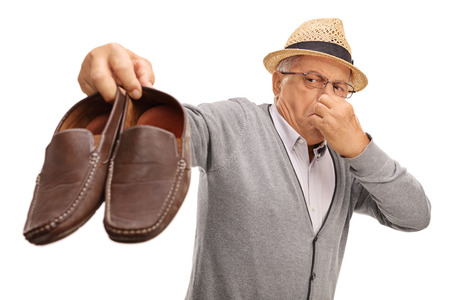 59889383_S_senior_male_shoes_smell_stinky.jpg