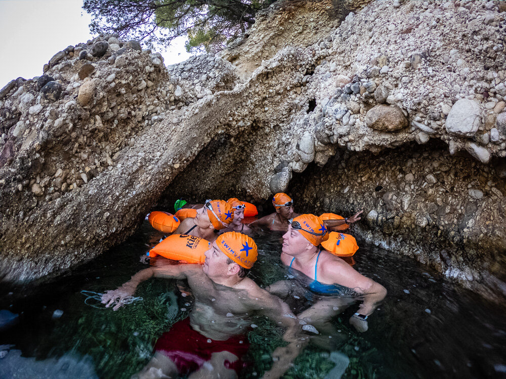 ….And Simon continues to be a cave pointer! Ancient ruins and a cave in one swim!!